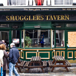 umbrella-brewing-alcoholic-ginger-beer-stockists-smugglers-tavern